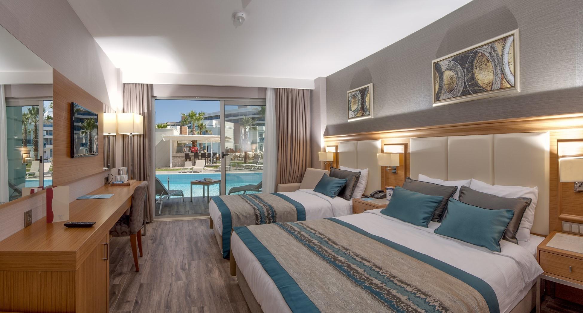 Aquasis De Luxe Resort & Spa - Swim up стая