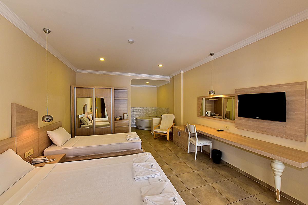 Стая с джакузи