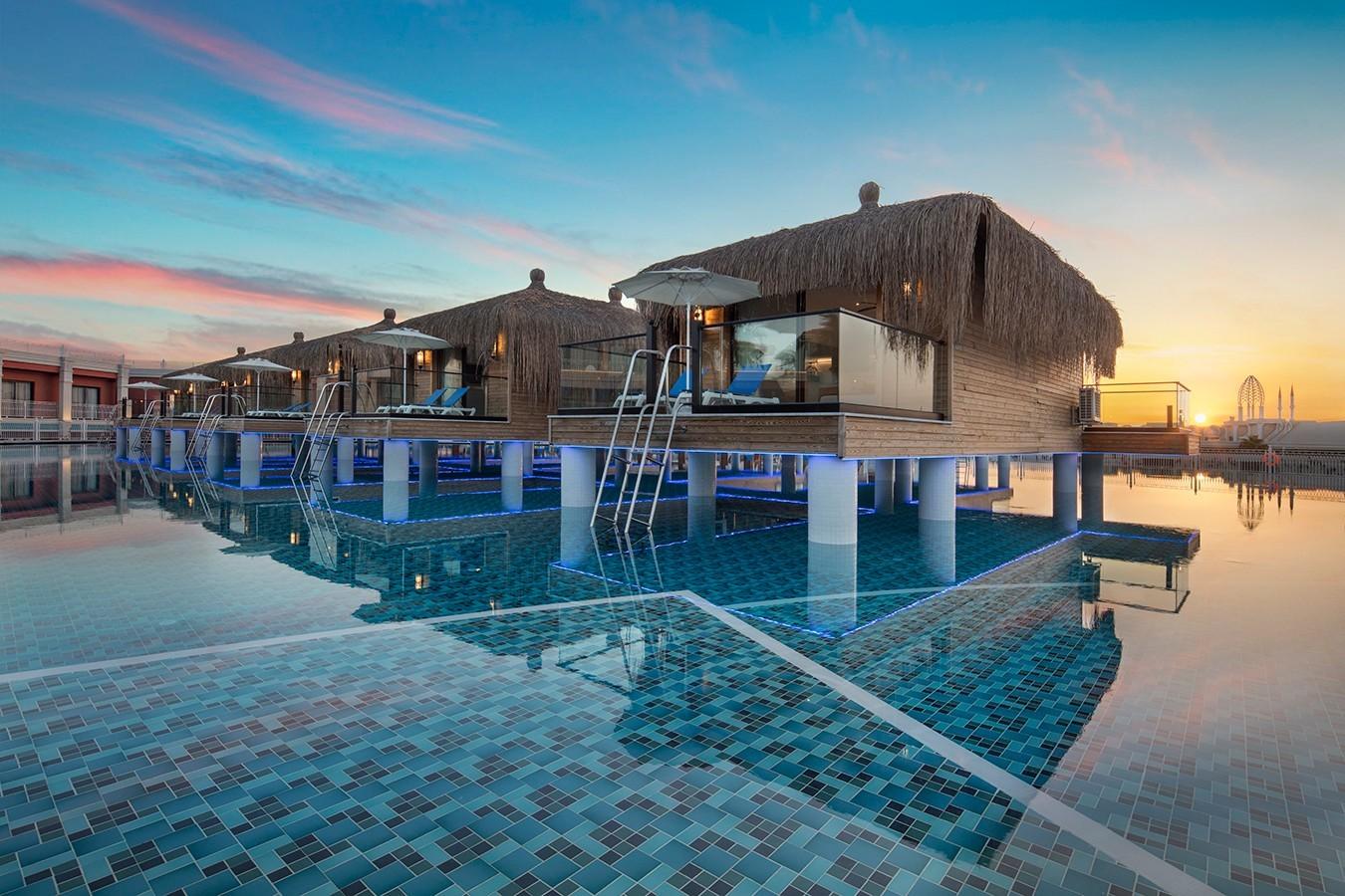 Granada Luxury Belek - басейн