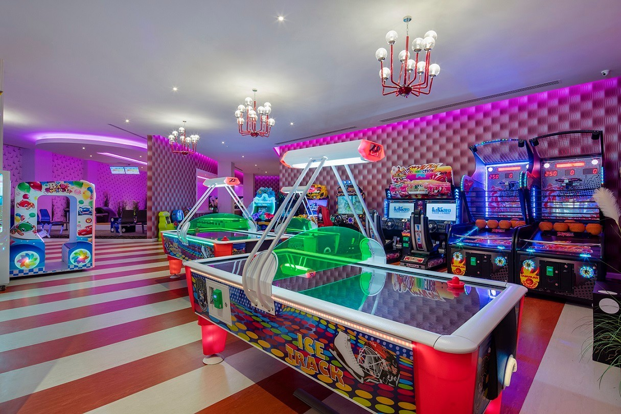 Granada Luxury Belek - зала за игри