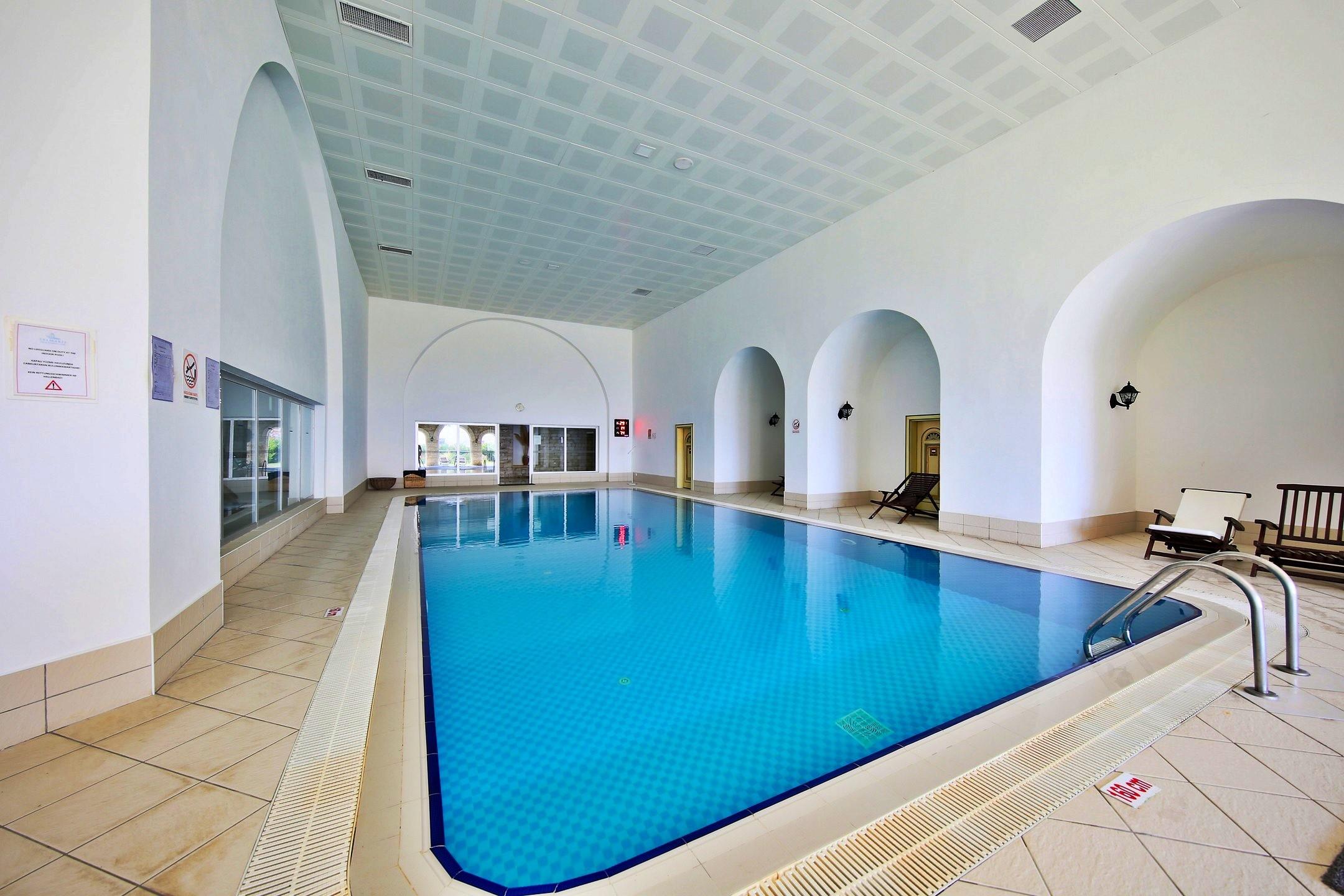 Salmakis Resort - вътрешен басейн