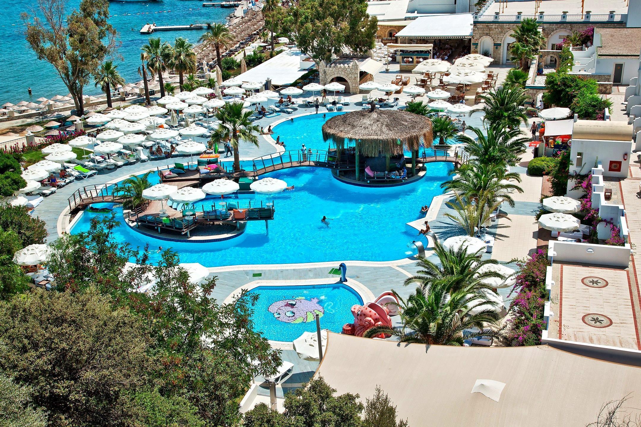 Salmakis Resort - басейн
