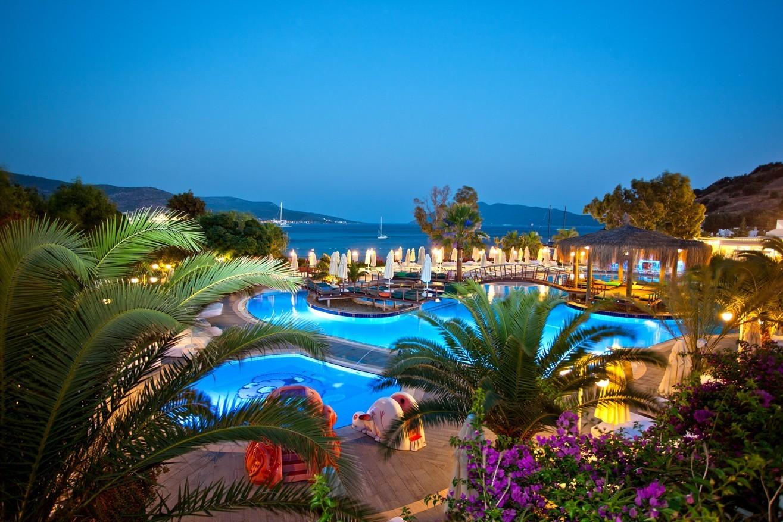 Salmakis Resort - нощна