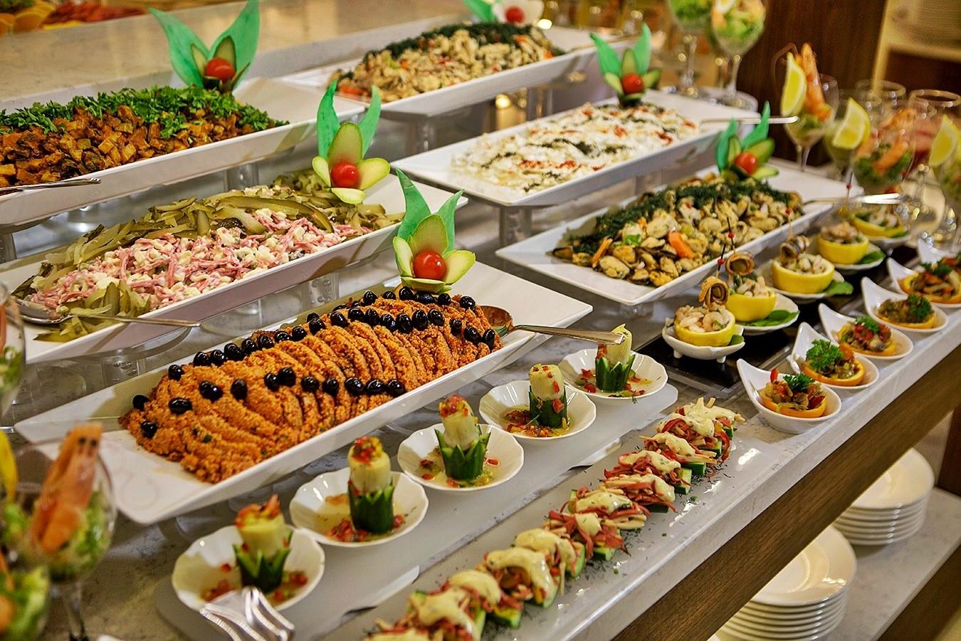 Ramada Golf - food
