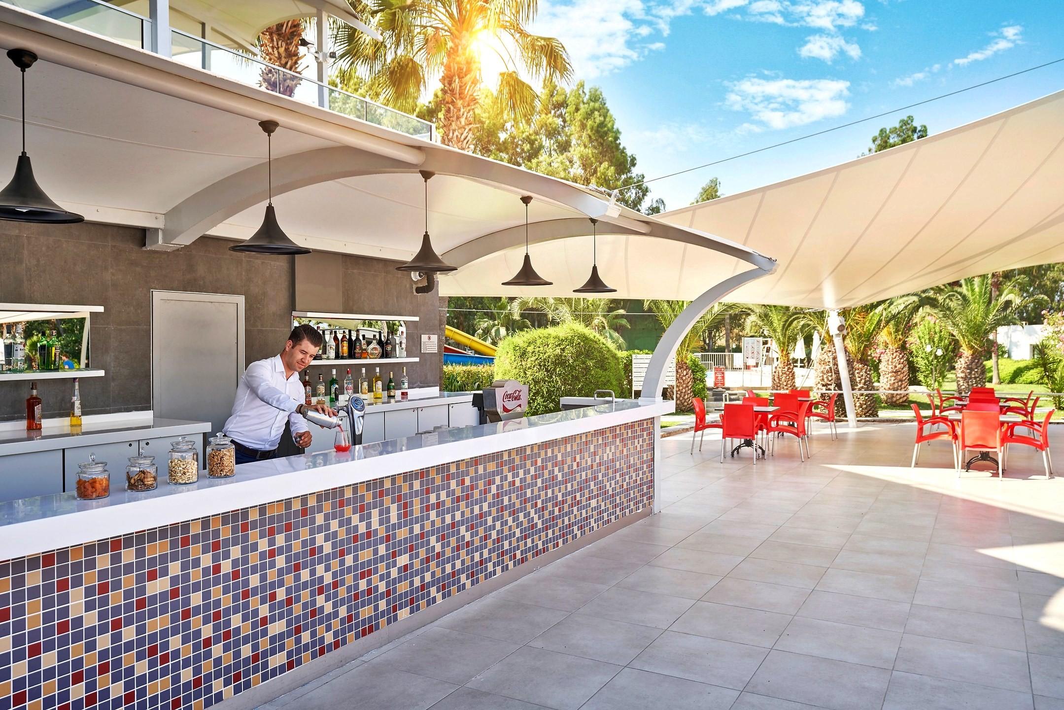 Richmond Ephesus Resort - бар