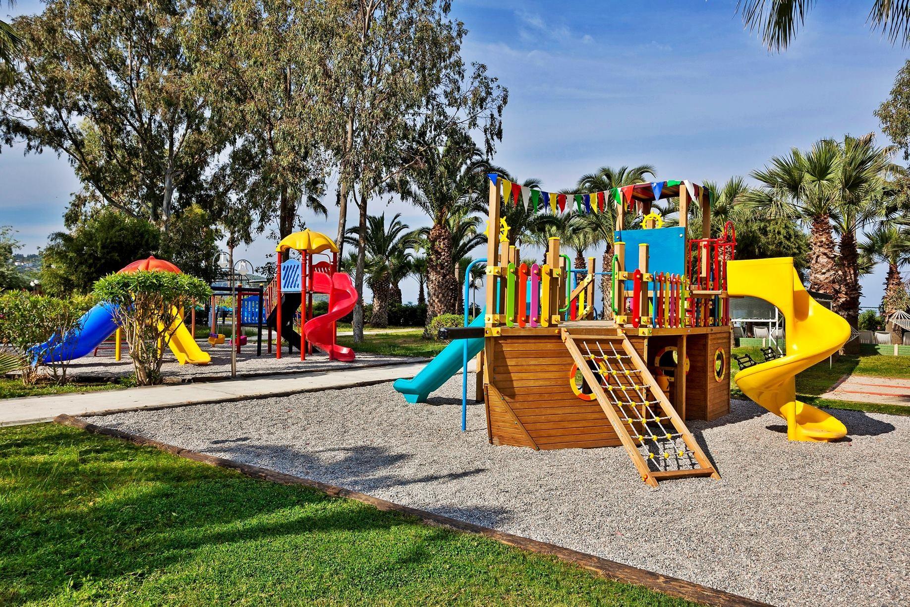 Richmond Ephesus - детска площадка