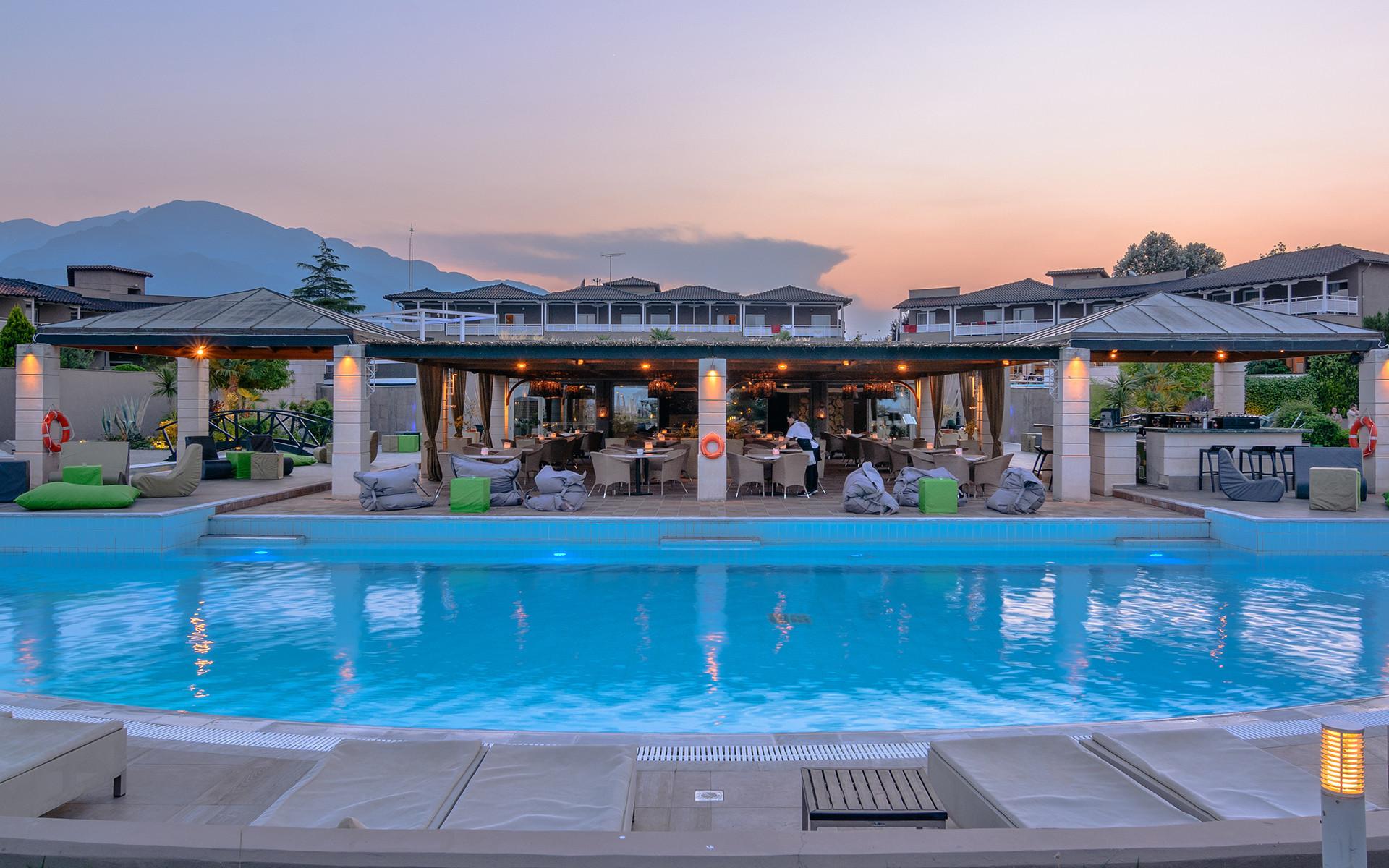 Dion Palace 5* - басейн