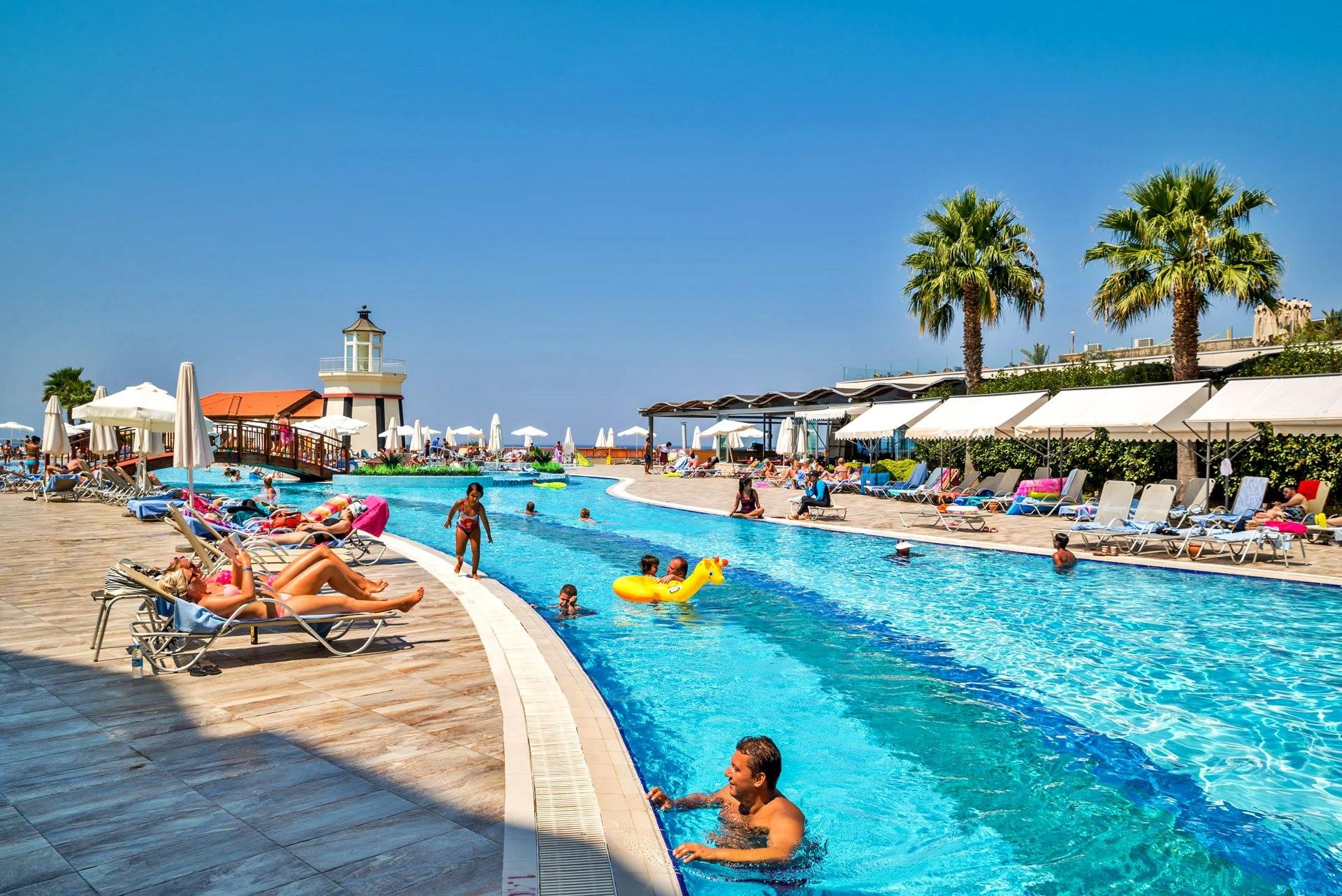 Sealight Resort Hotel - басейн