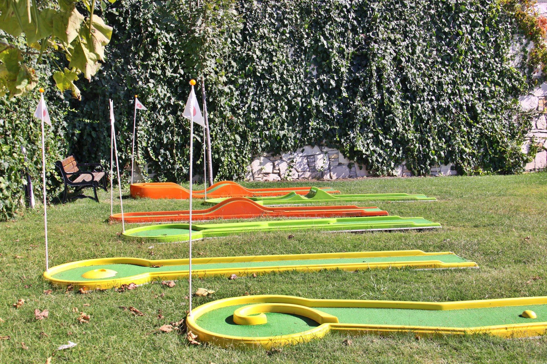 Sealight Resort Hotel - мини голф