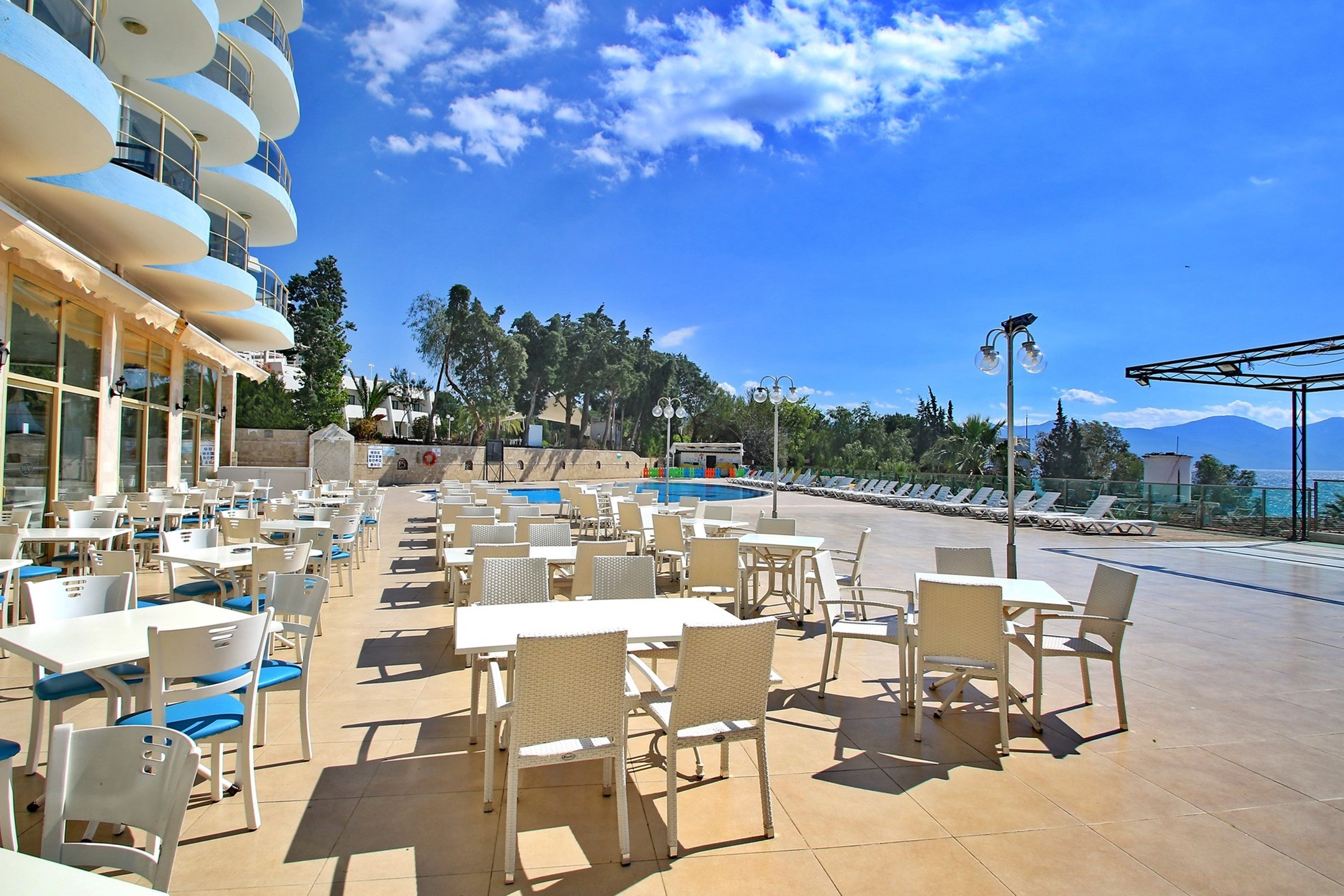 Hotel Arora 4* - ресторант, външна част