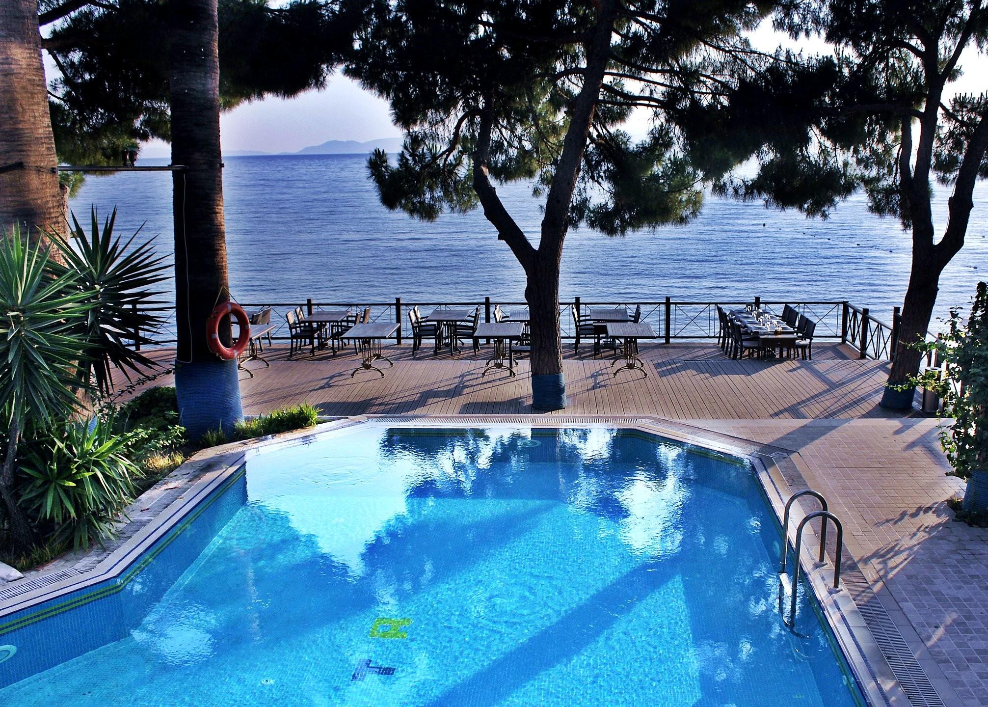 Hotel Arora 4* - басейн