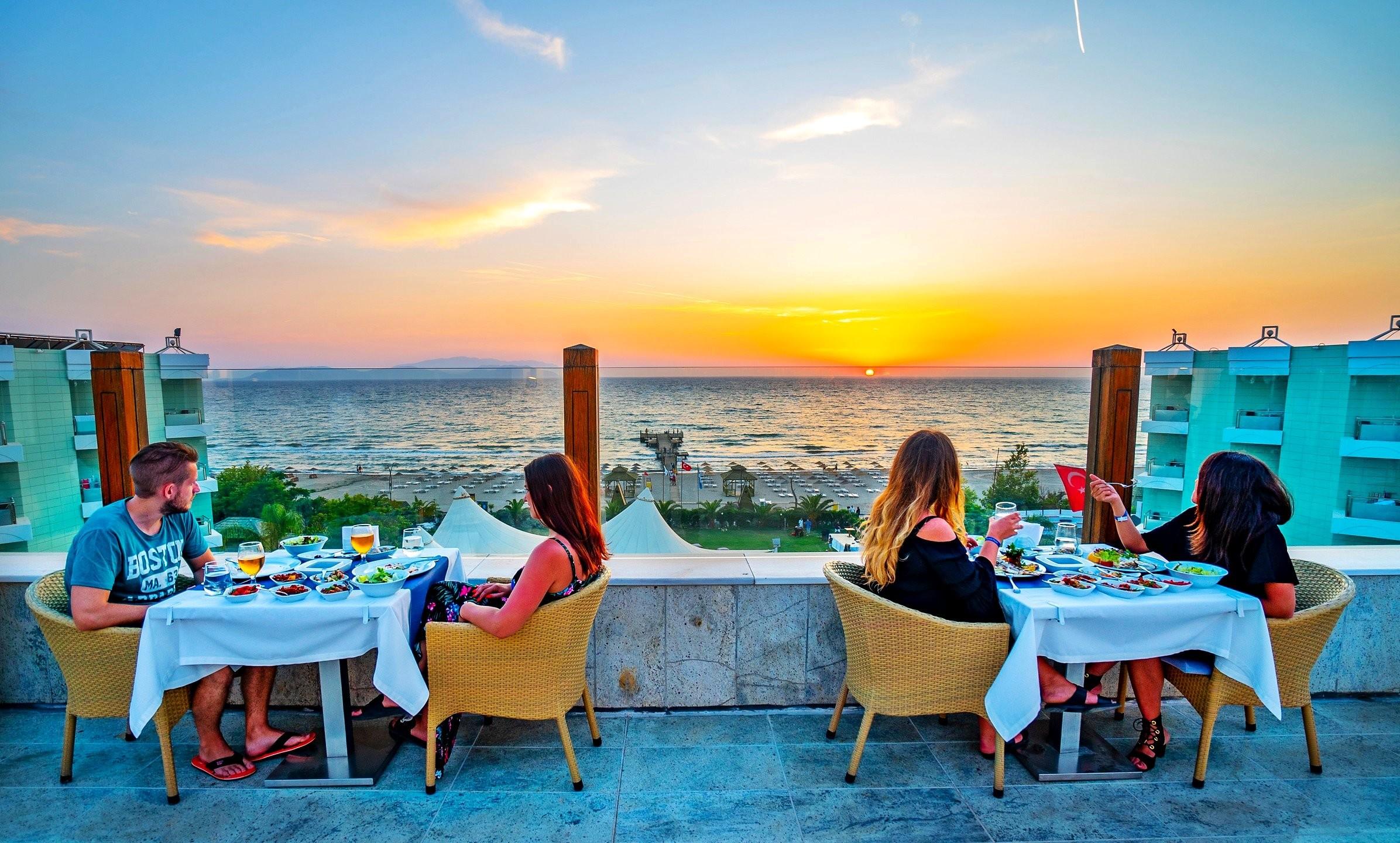 Grand Belish - ресторант тераса