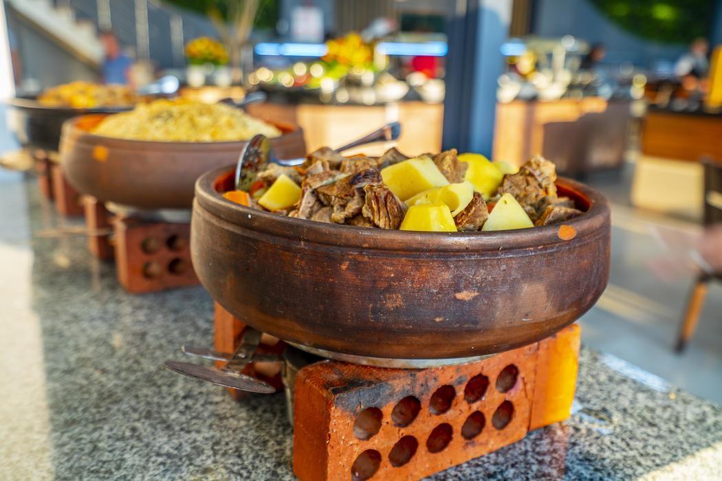 Grand Belish - ресторант храна