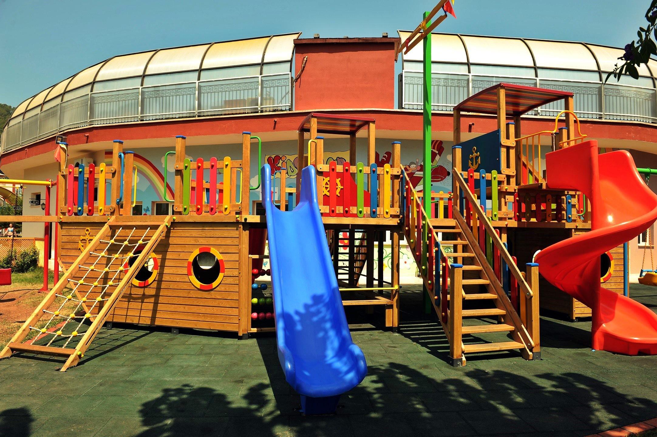 Green Nature Resort & Spa - детска площадка
