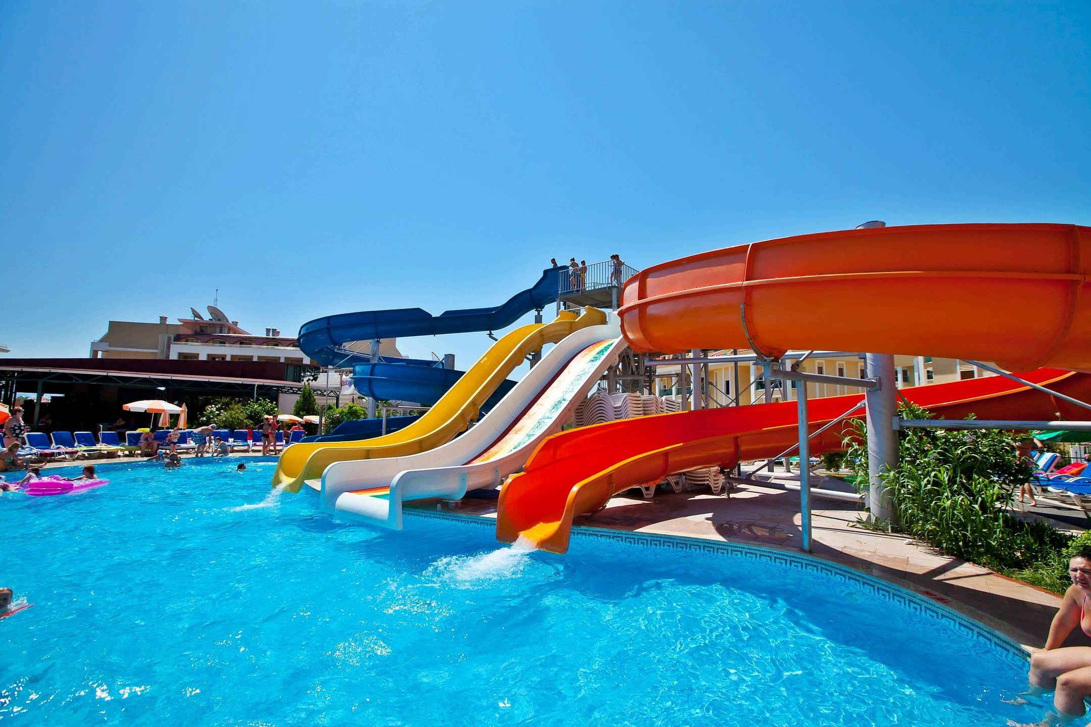 Green Nature Resort - водни пързалки