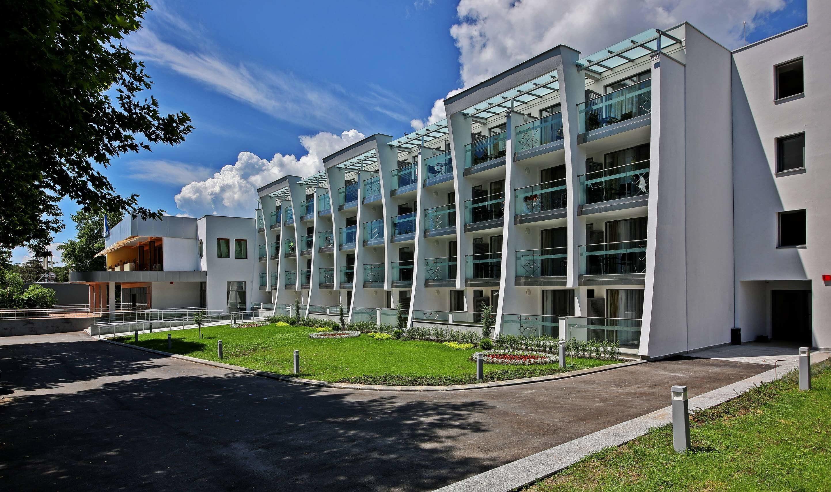 Ралица Супериор - сграда