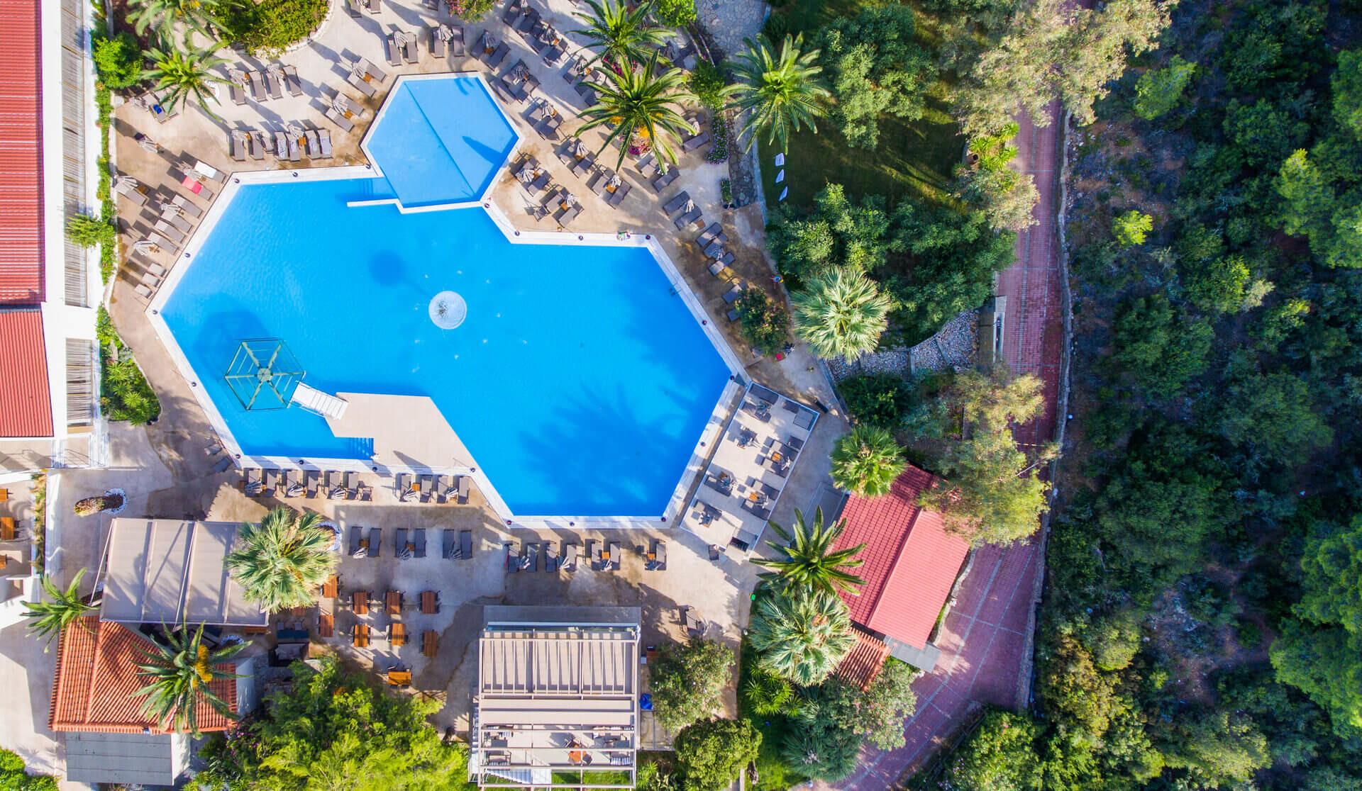 Poseidon Hotel Sea Resort - басейн