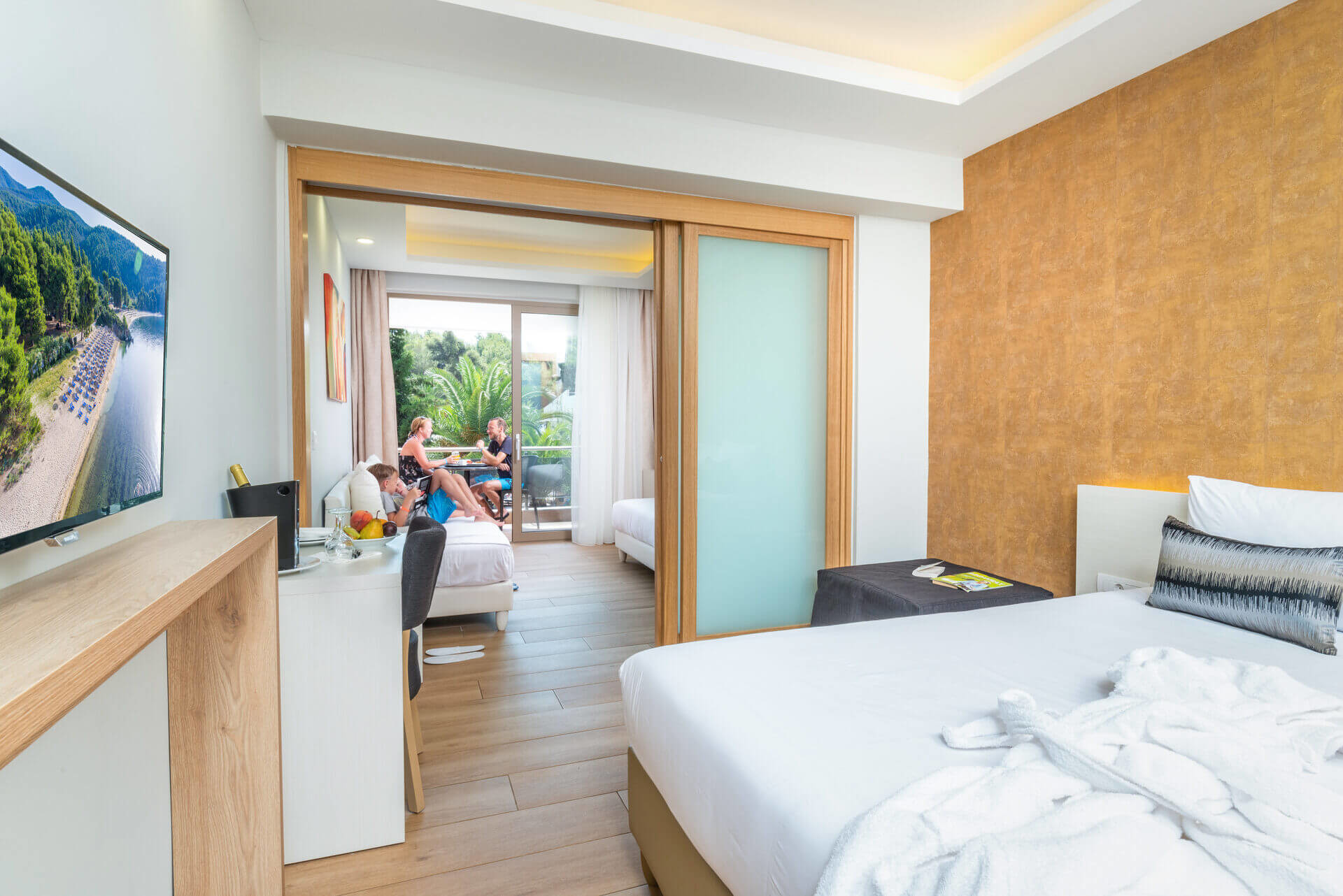 Poseidon Hotel Sea Resort - фамилна стая