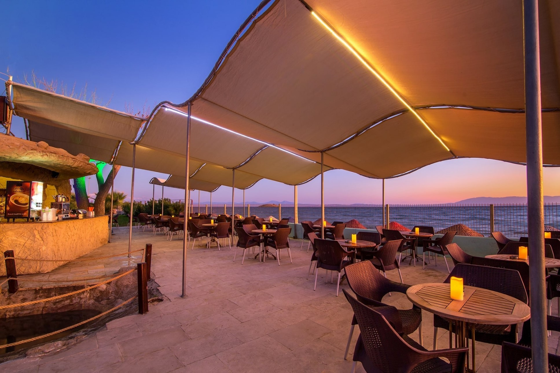 Gumuldur Resort Hotel - бар
