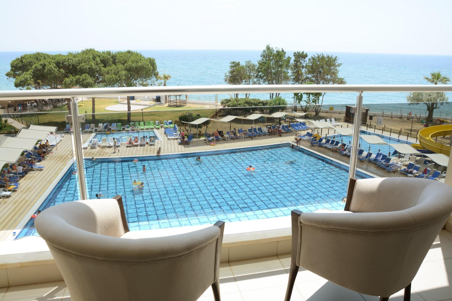 Gumuldur Resort Hotel - тераса