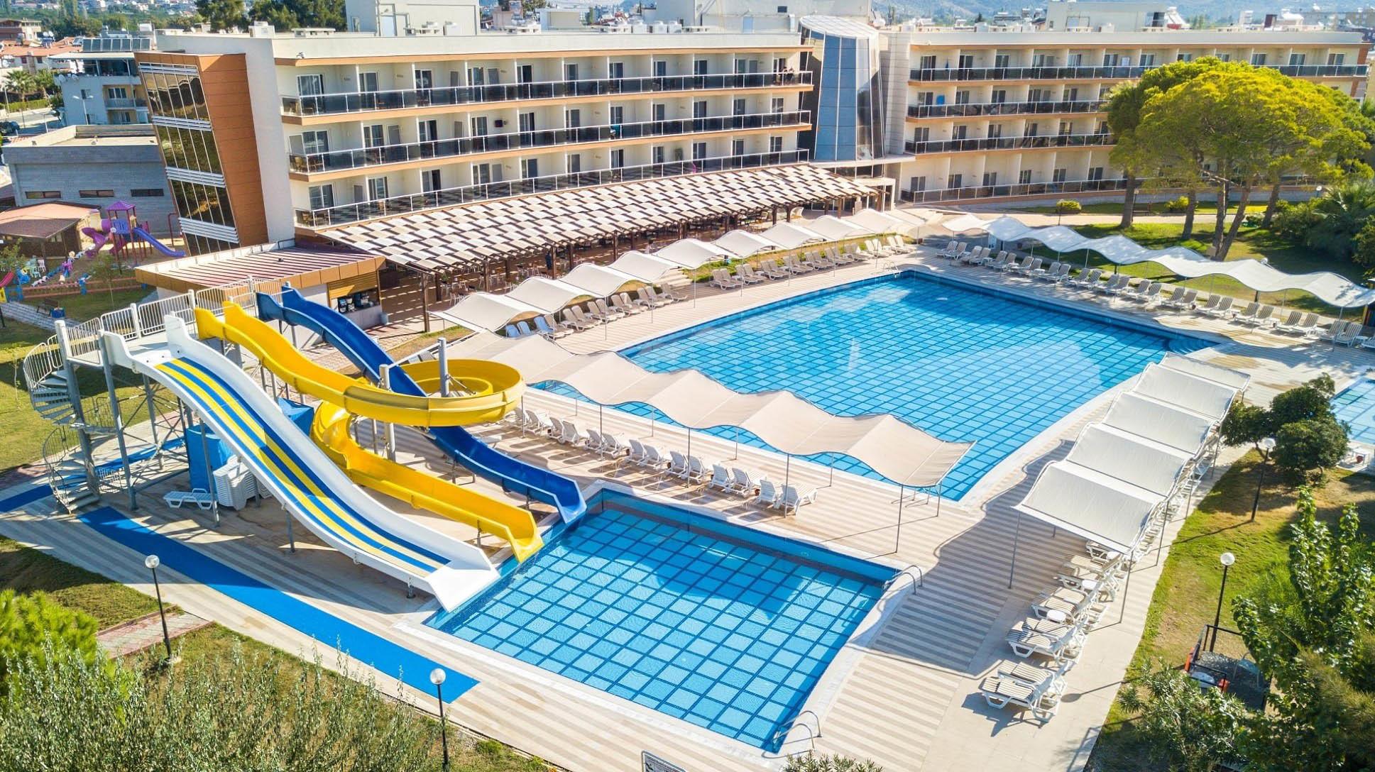 Gumuldur Resort Hotel - пързалки
