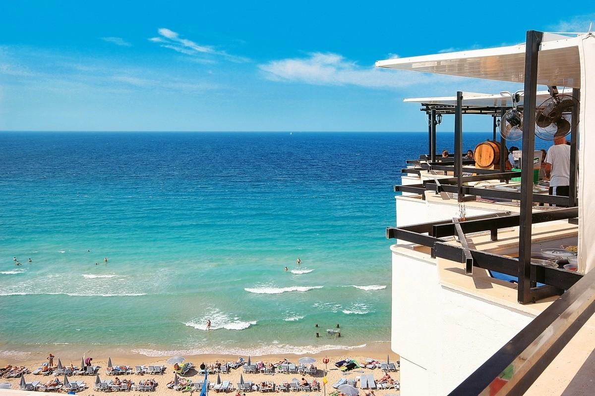 Asena Hotel - тераса с изглед