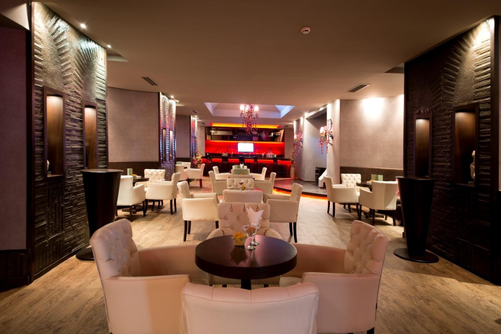 Limak Limra Hotel & Resort - бар