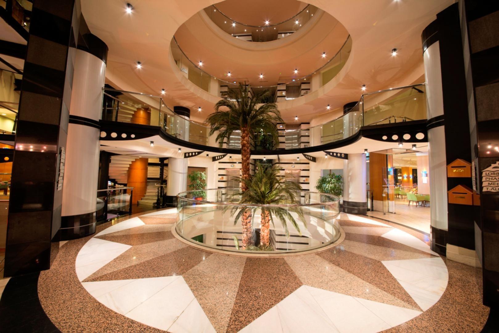 Limak Limra Hotel & Resort - лоби