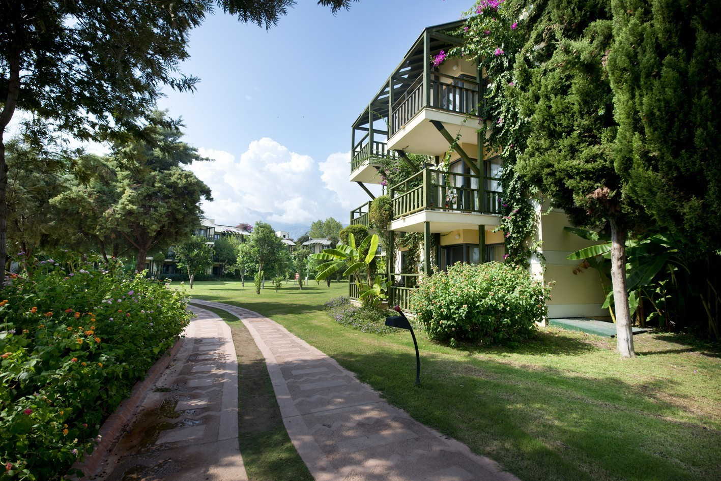 Limak Limra Hotel & Resort - градина