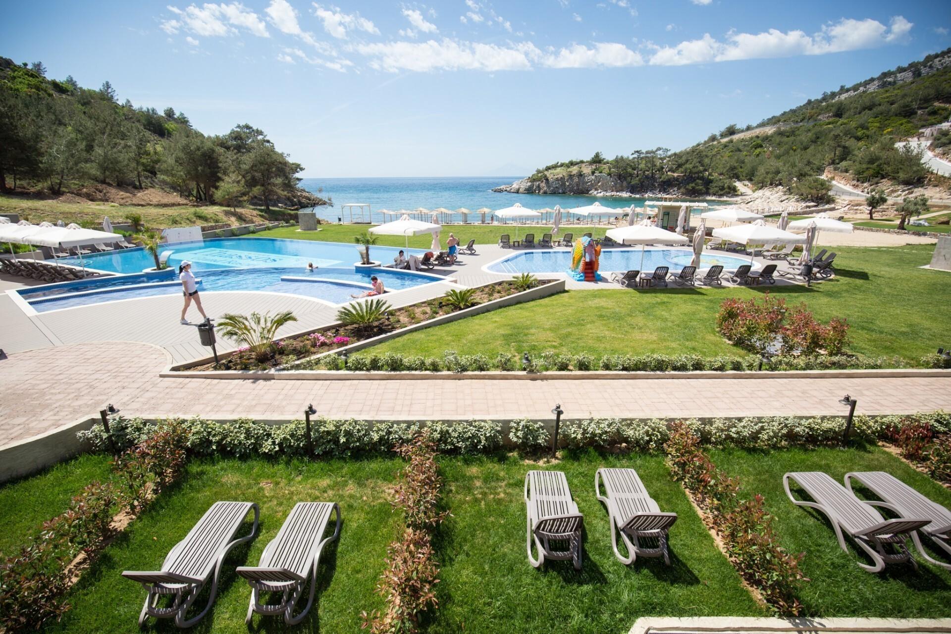 Thassos Grand Resort - басейни