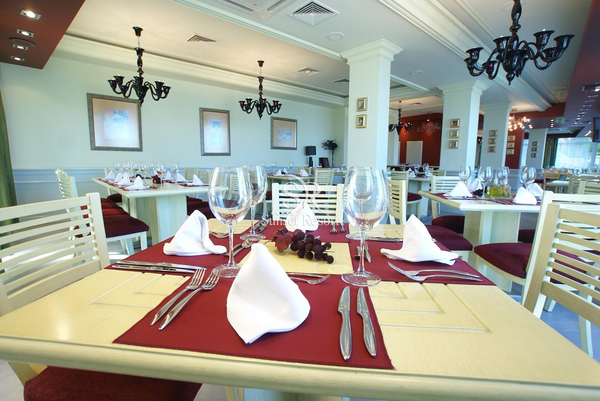Комплекс Сънсет Ризорт - ресторант