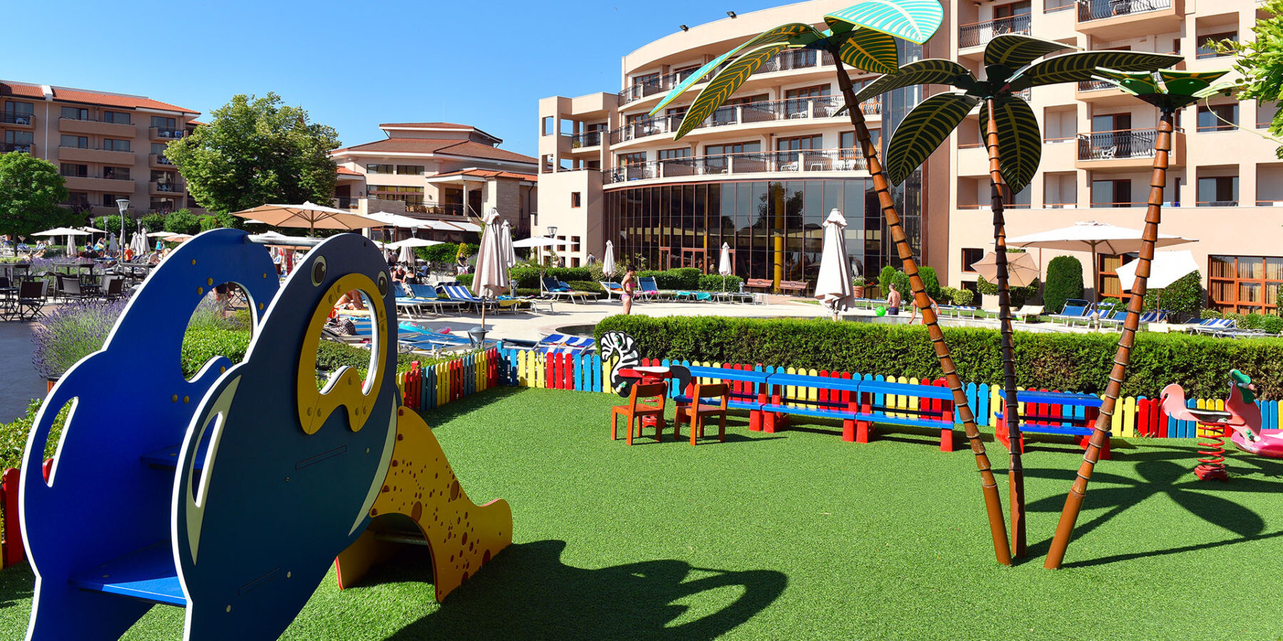 Хотел Мирамар 4* - площадка