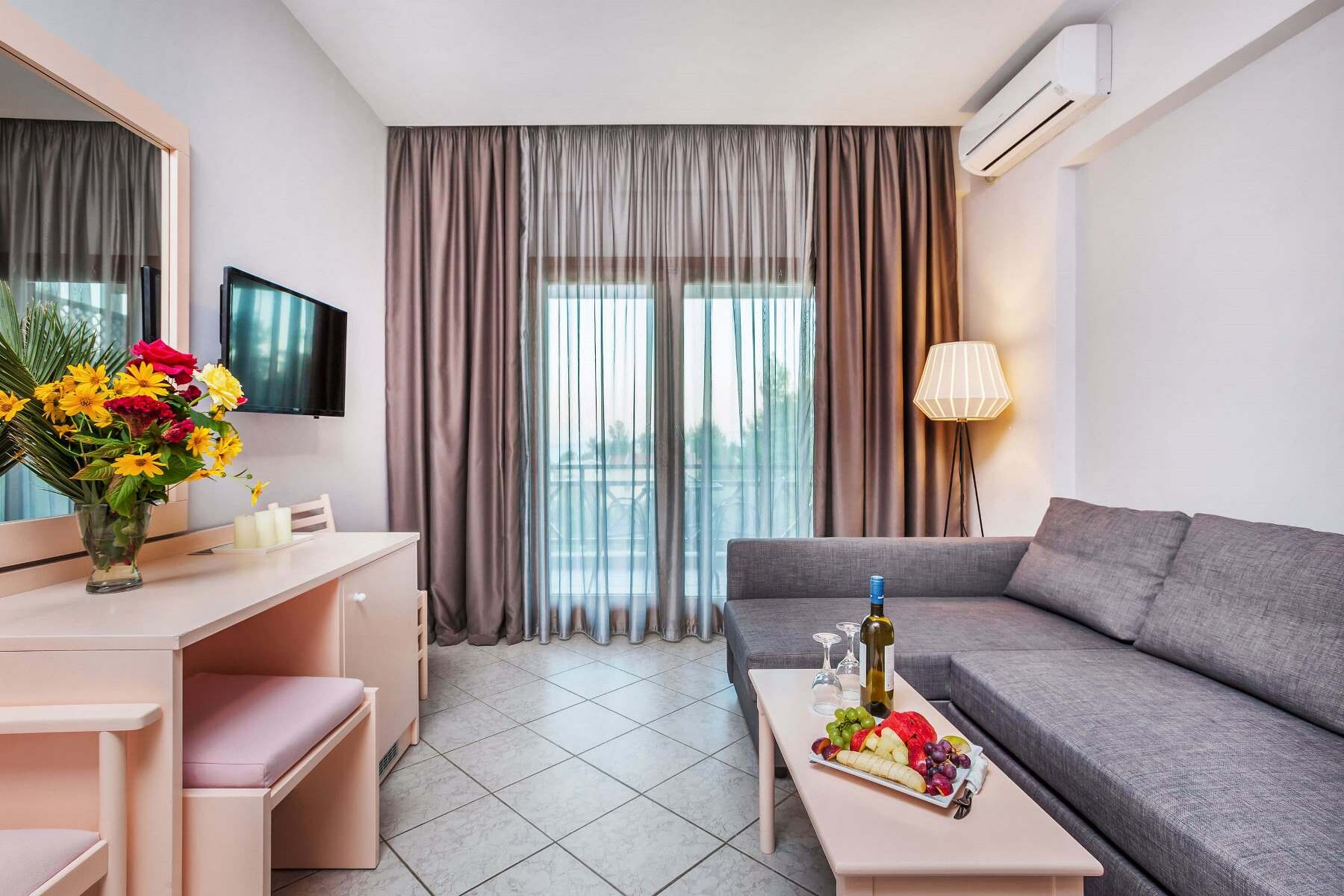 Palladium Hotel - малък апартамент