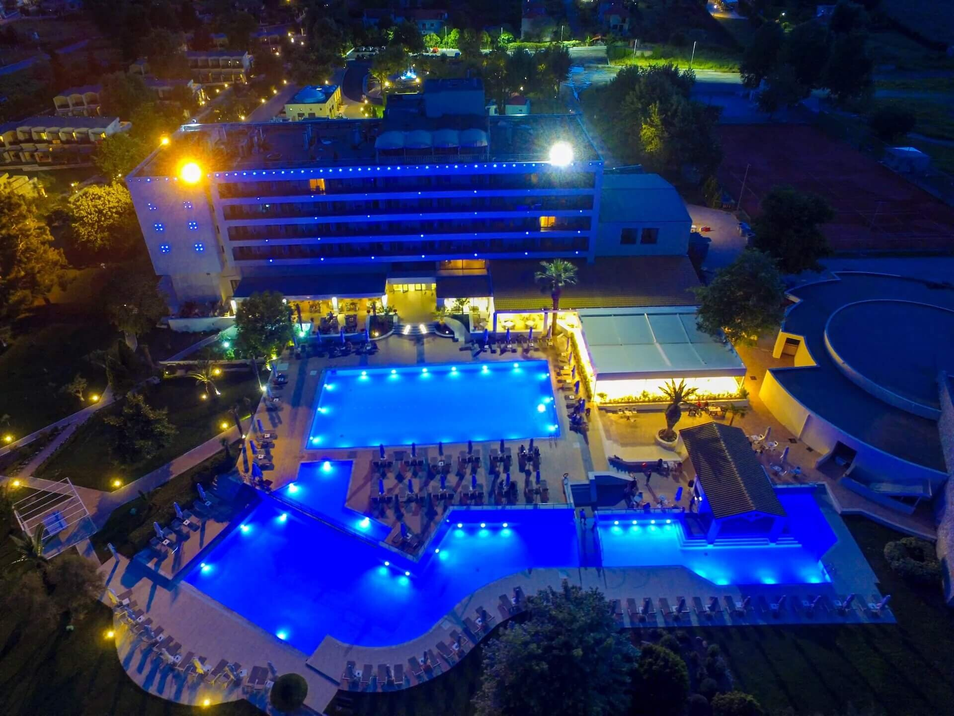 Bomo Olympus Grand Resort - вечер