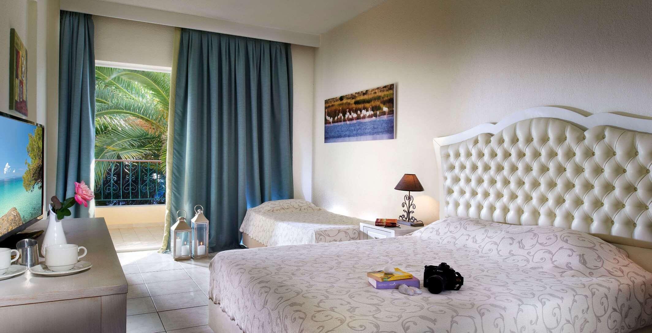 Portes Beach Hotel - стандартна стая