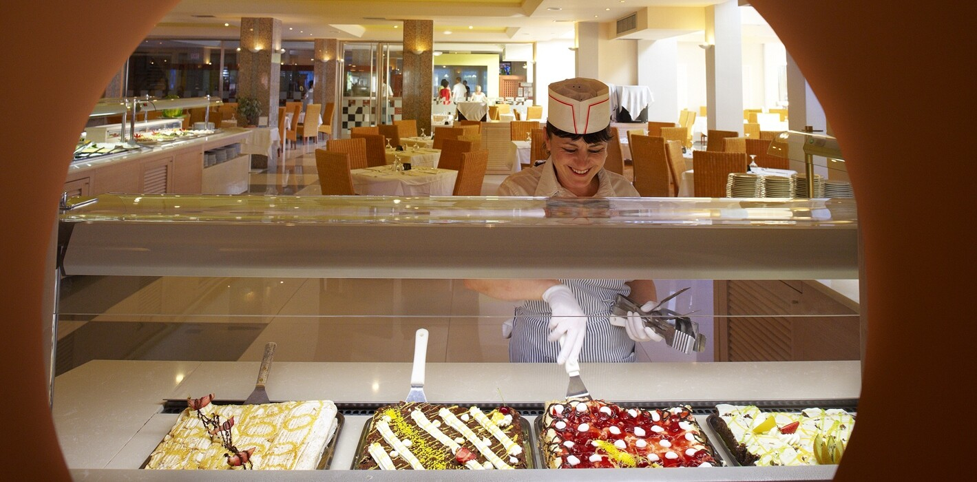 Portes Beach Hotel - бюфет