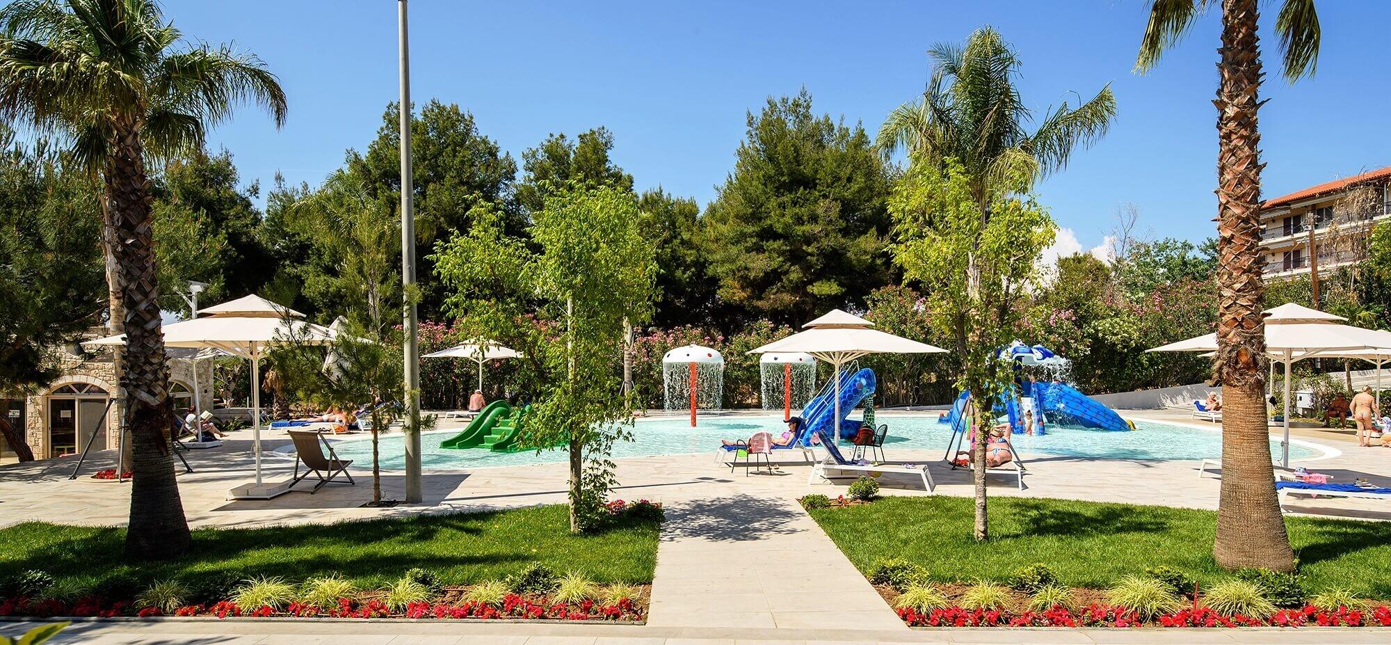 Portes Beach Hotel - басейн и аквапарк