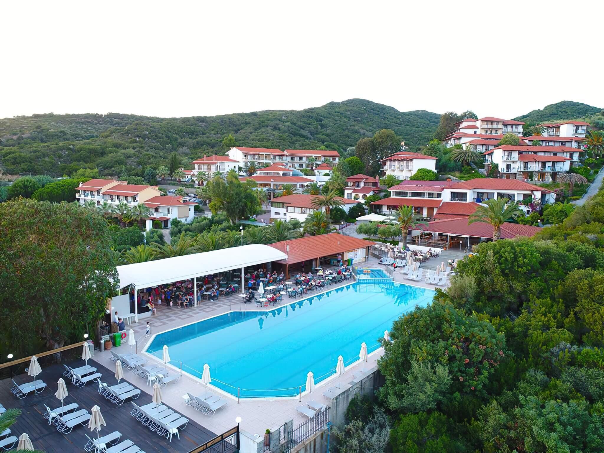 Aristoteles Holiday Resort & SPA - открит басейн