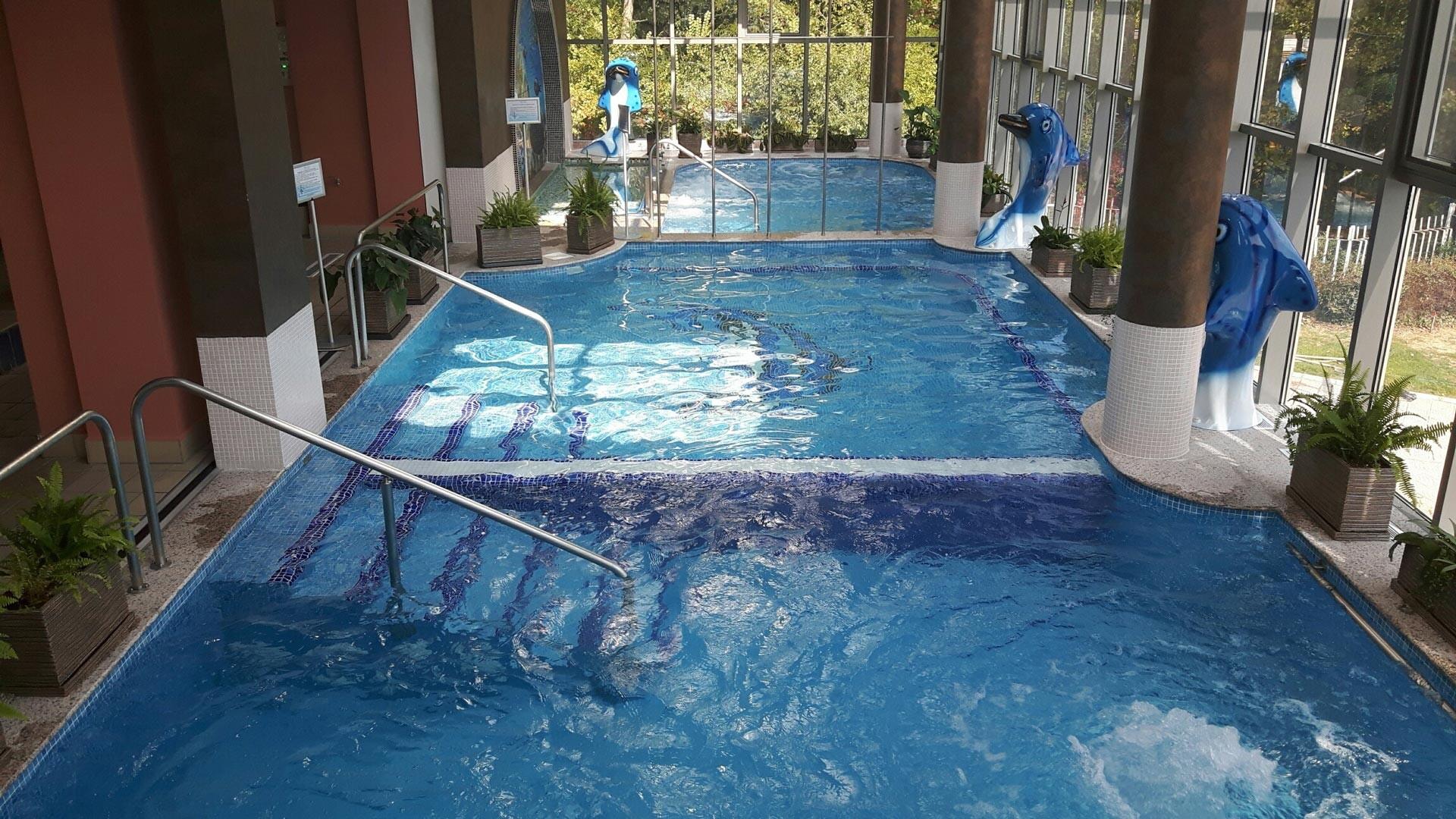 Спа Хотел Хисар - закрит басейн