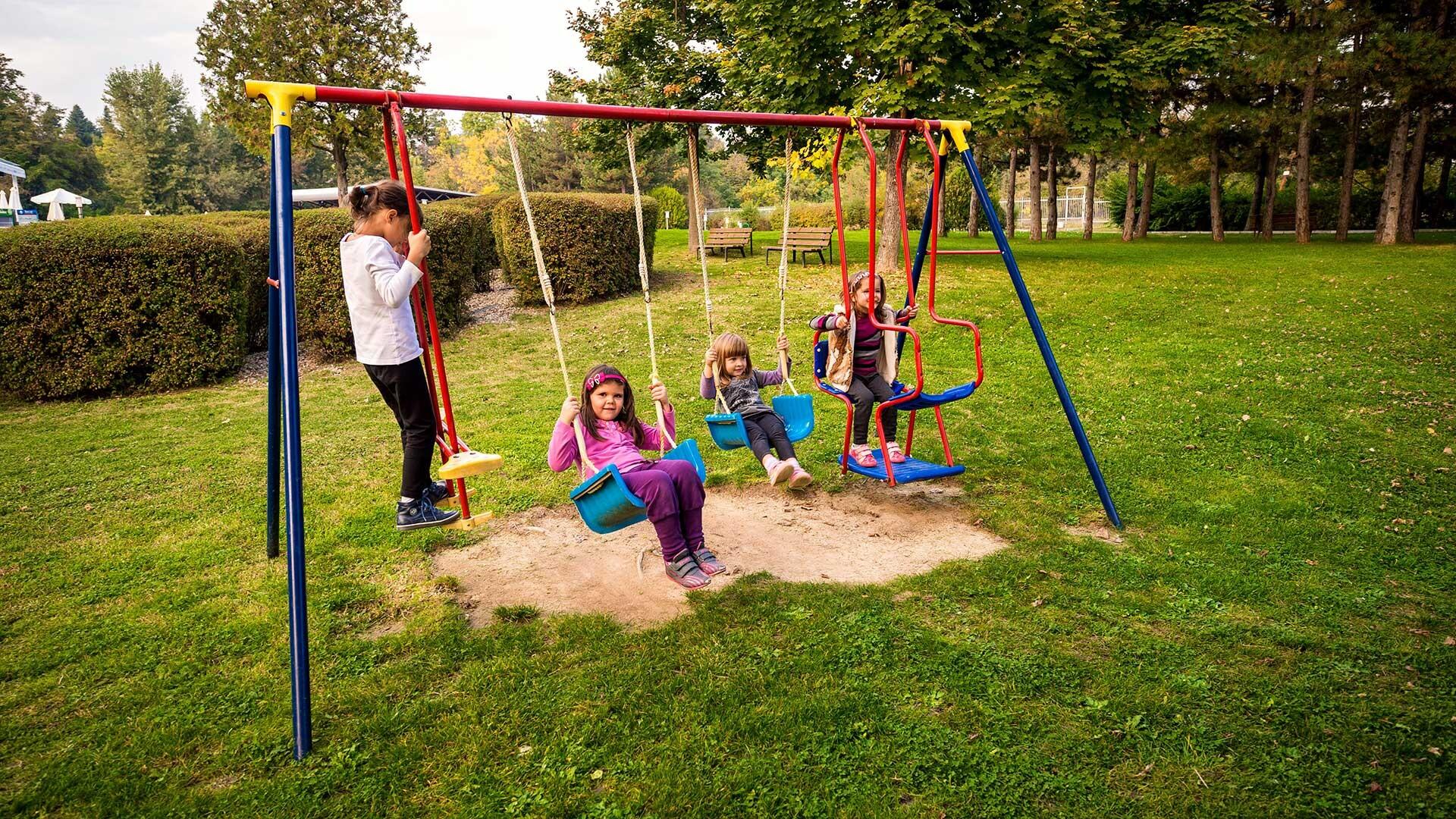 Спа Хотел Хисар - детска площадка