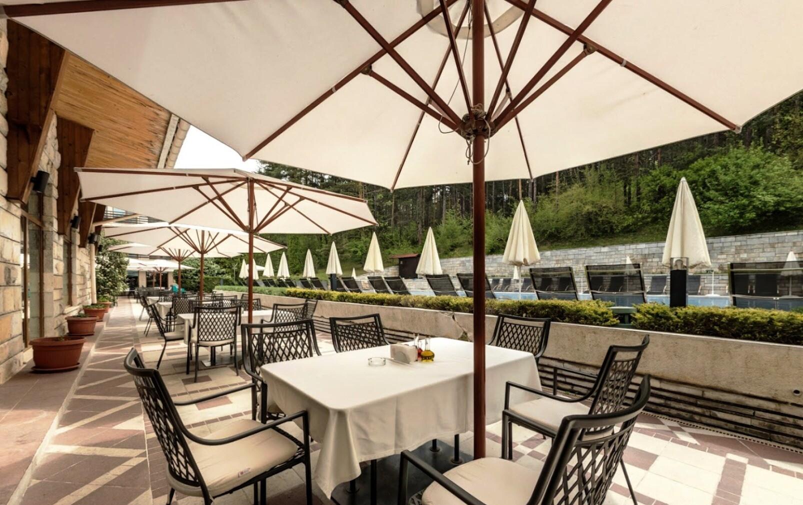 Спа Хотел Велина 4* - външна тераса на ресторанта