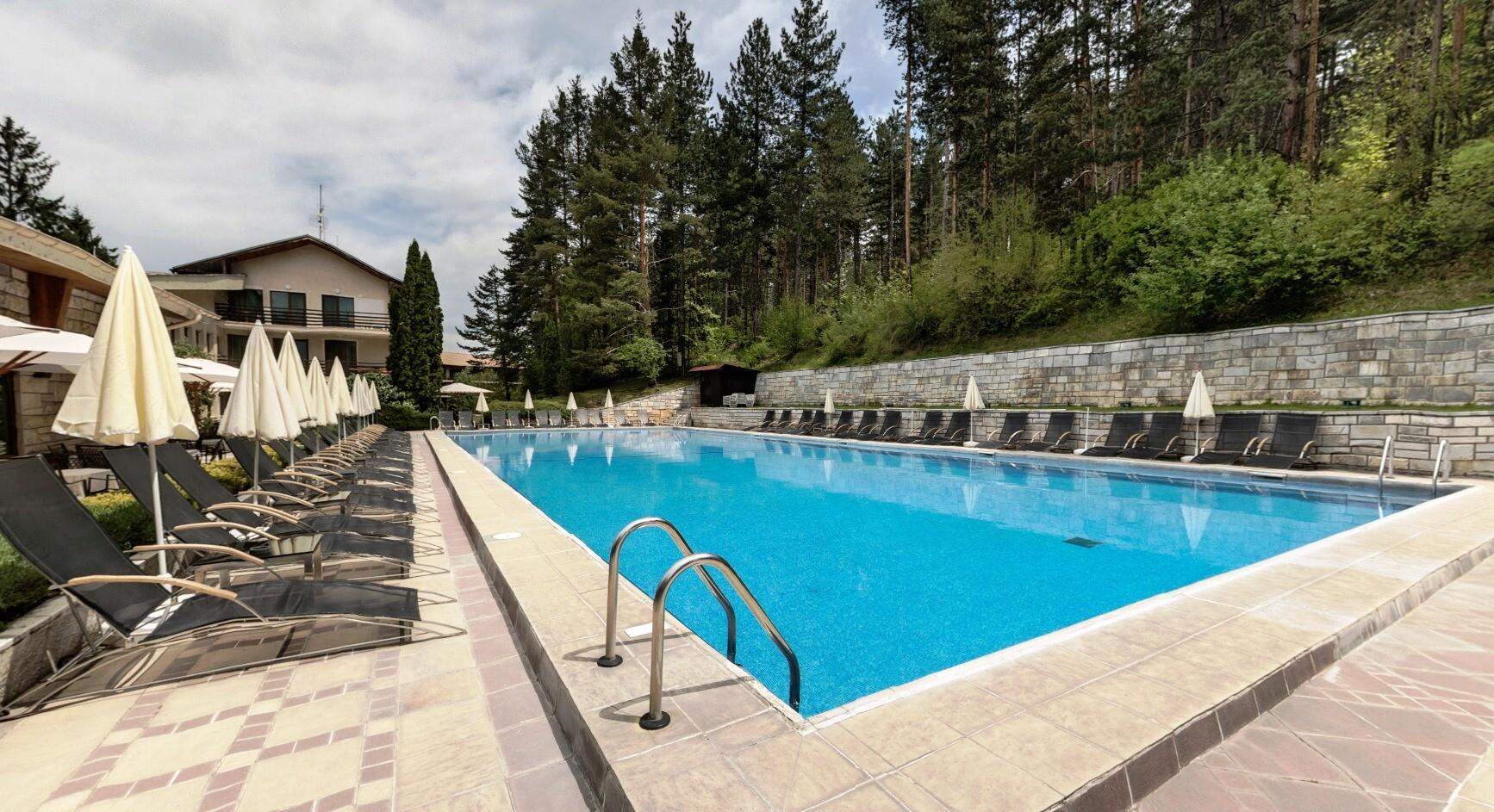 Спа Хотел Велина 4* - външен басейн