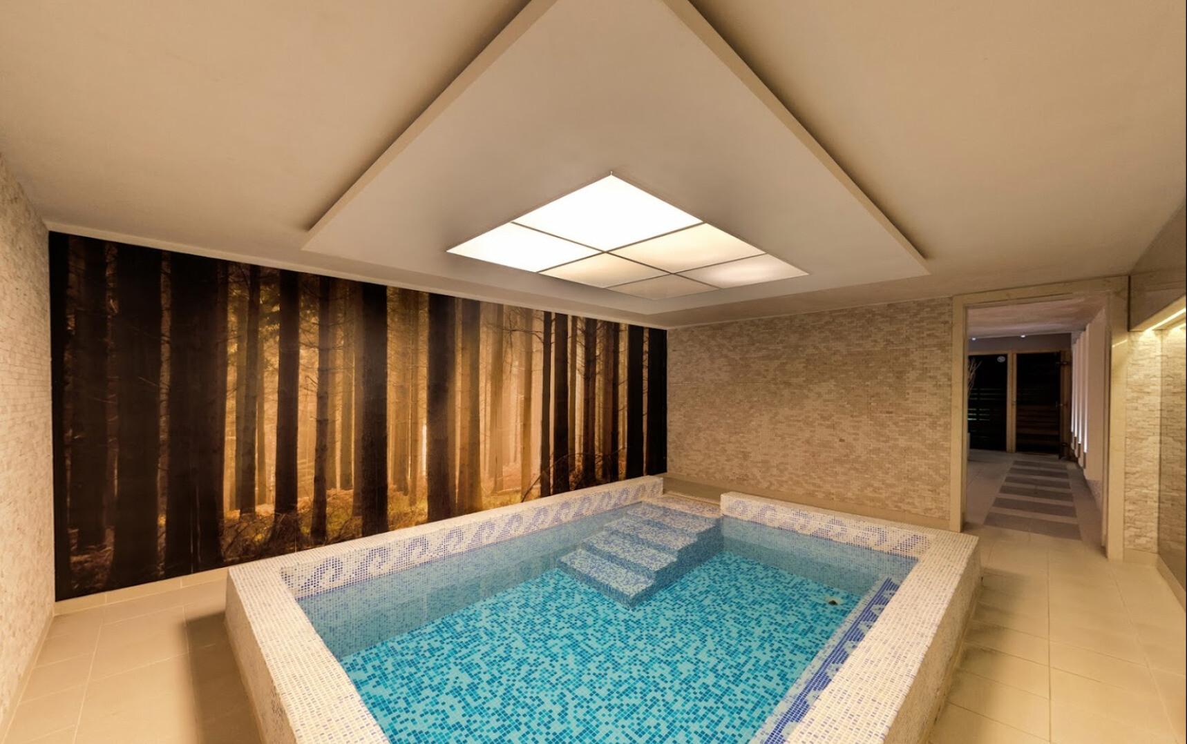 Спа Хотел Велина 4* - вътрешен басейн
