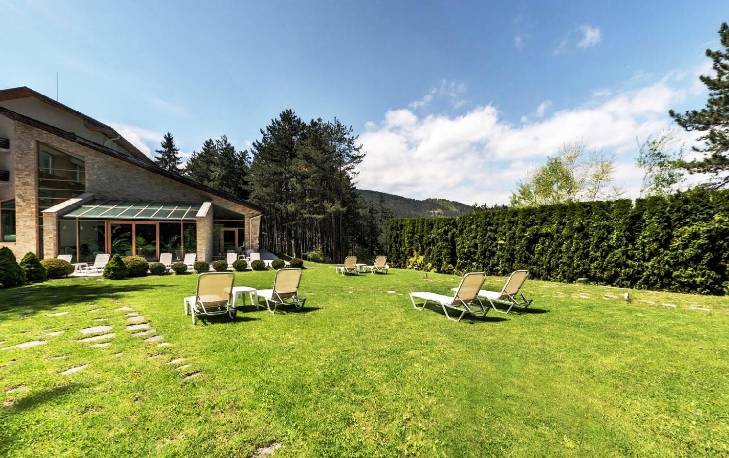Спа Хотел Велина 4* - общ изглед градина