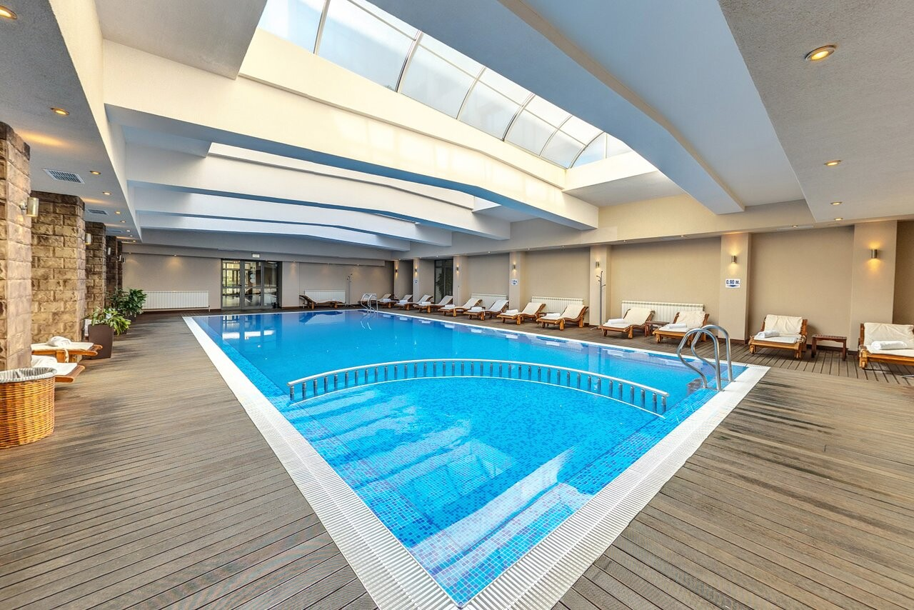 Сана Спа Хотел - вътрешен басейн