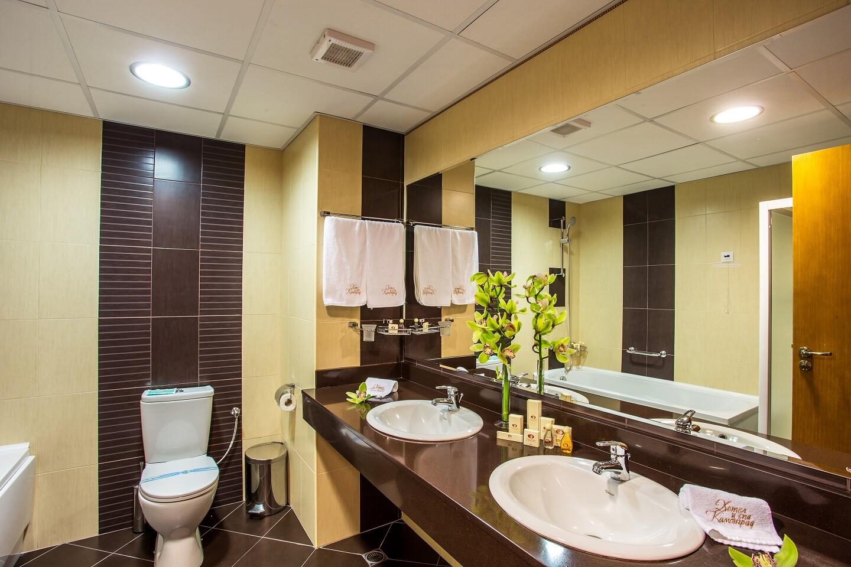 тоалетна - двойна лукс сатя