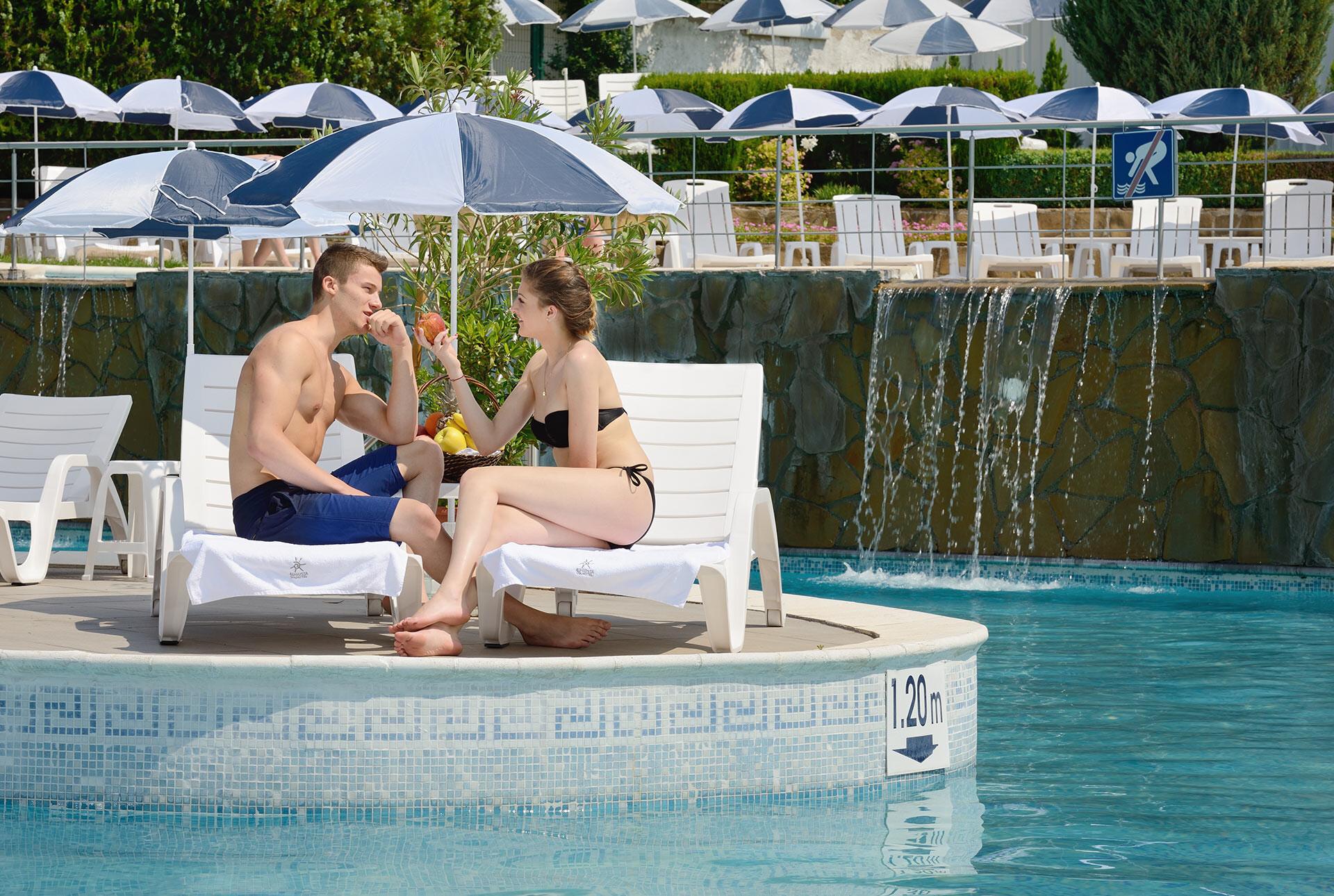Спа Хотел Аугуста - външен басейн