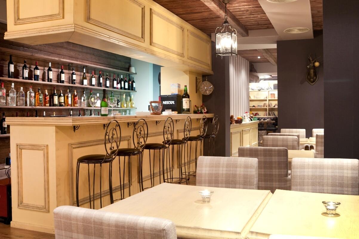 Хотел Корнелия - бар