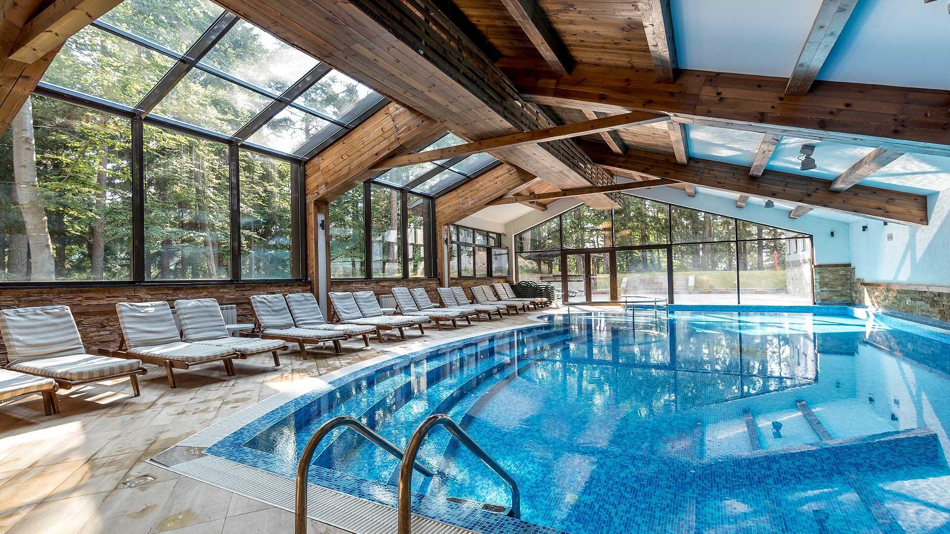 Хотел Лион 4* - вътрешен басейн