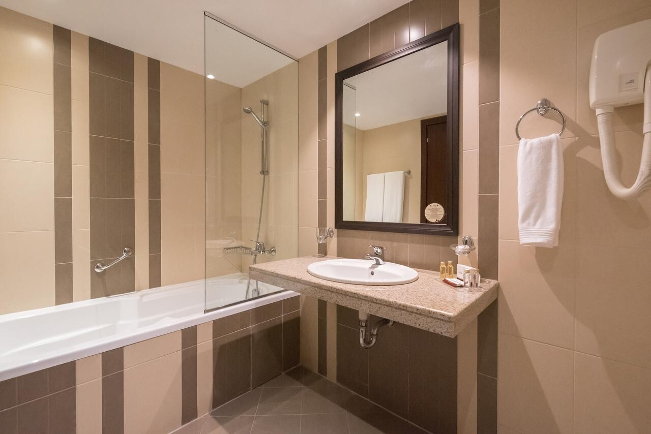 Хотел Лион 4* - баня